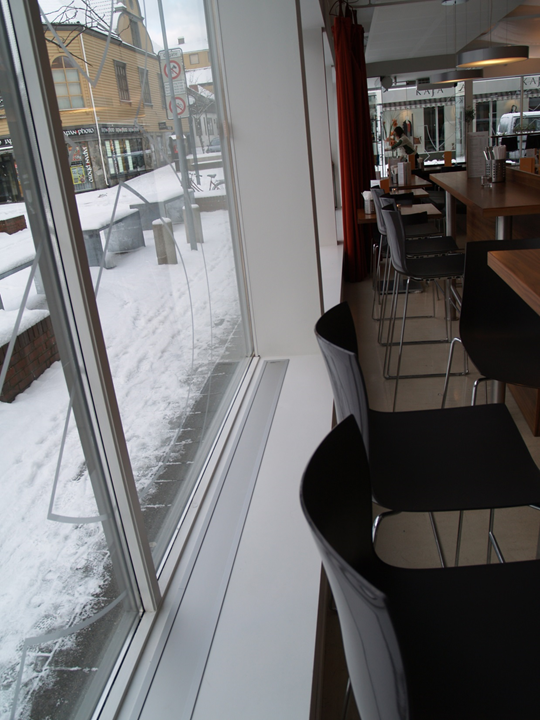 Spisested, Stavanger. E-100 nedfelt med ramme. Farge eloksert aluminium (standard).!