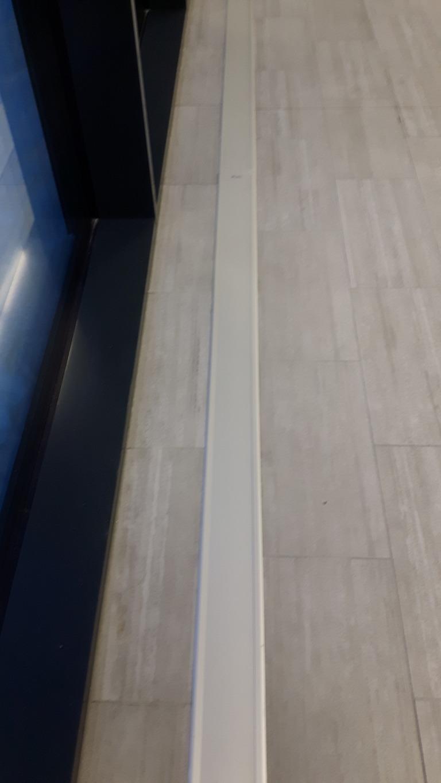 Statoils signalbygg i Harstad sentrum. E-100 nedfelt med ramme. Farge eloksert aluminium (standard).!